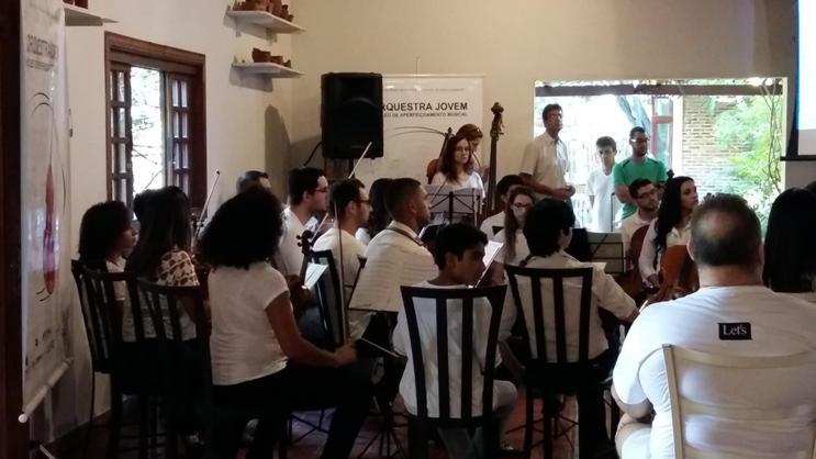 orquestra-de-mangueiras-02